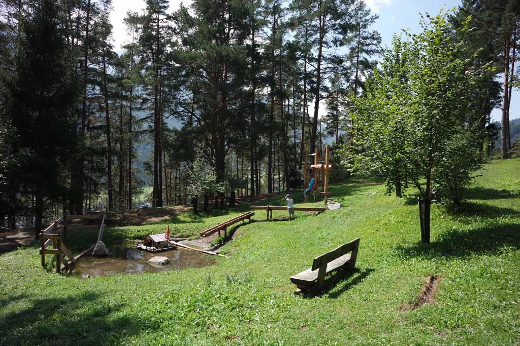 De natuur speeltuinen in Tiroler Oberland zijn super tof en mooi opgezet.