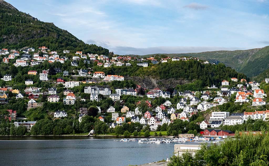 Prachtig uitzicht op een van de baaien van Bergen