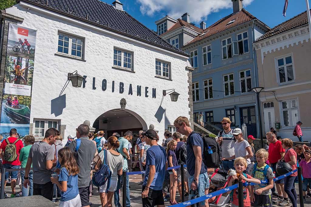 De fløibanen-trein is een populaire attractie tijdens een citytrip naar Bergen