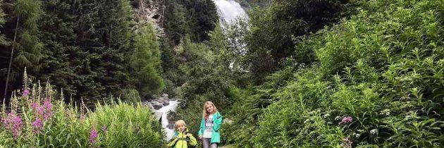 Wandelen met kinderen naar de Stuibenfall in Tirol