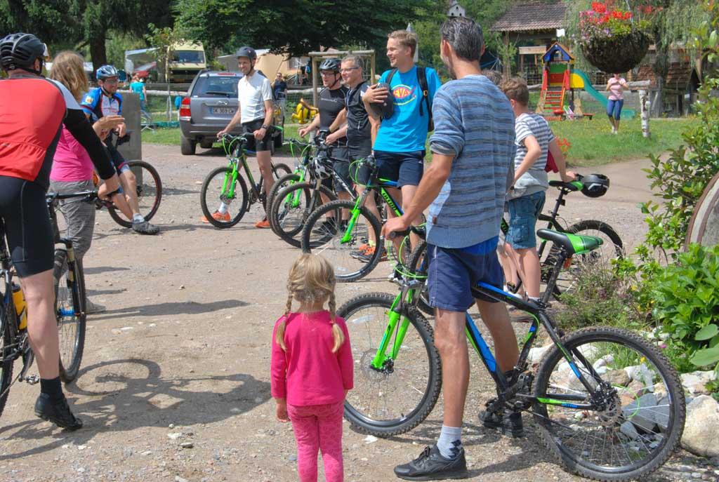 Ook mountainbiken is een van de activiteiten die je kunt ondernemen in de heuvelachtige omgeving van camping Le Paradou.