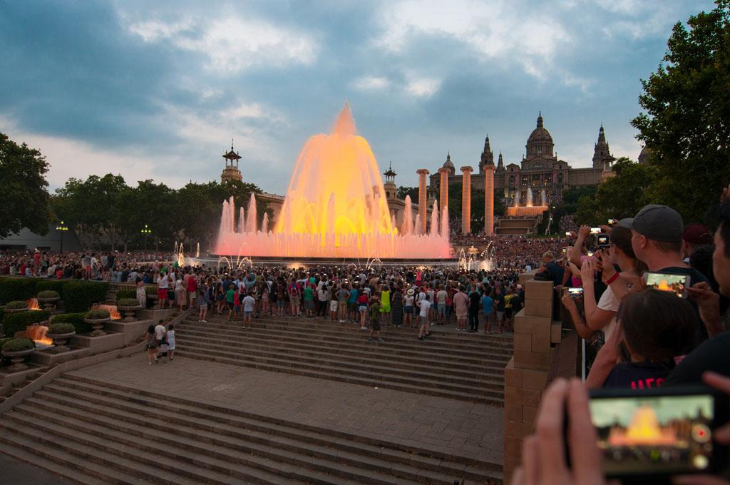 De fonteinshow is indrukwekkend om te zien.