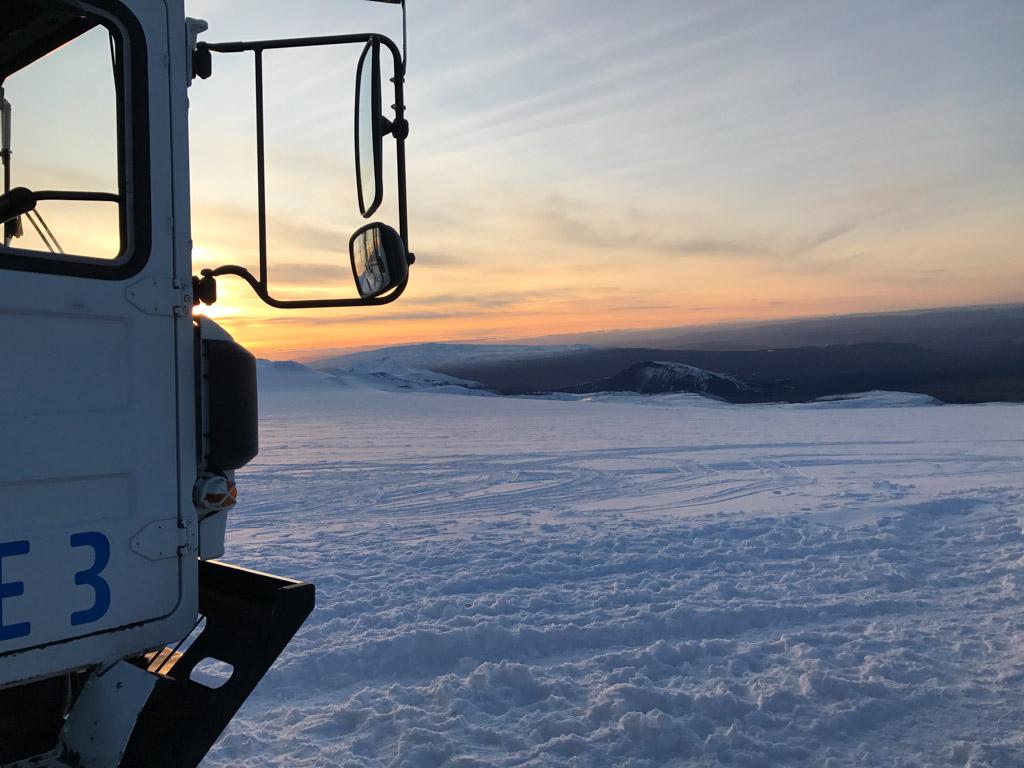 De zonsondergang als we uit de gletsjer komen.
