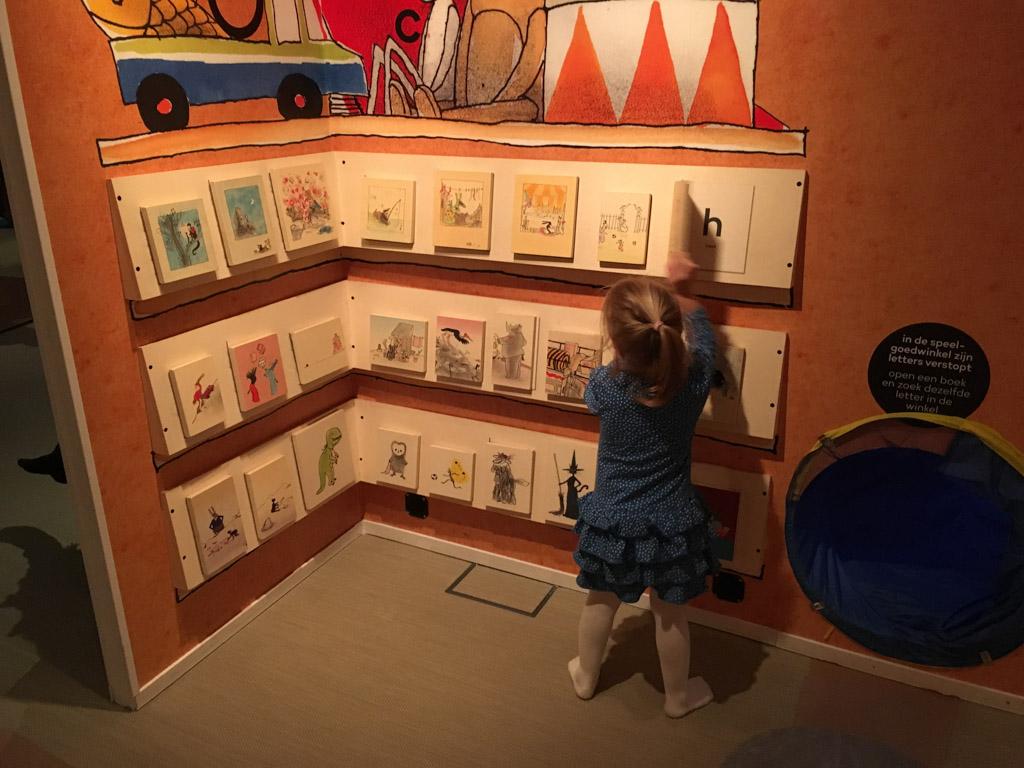Letters leren bij Kleine Ezel
