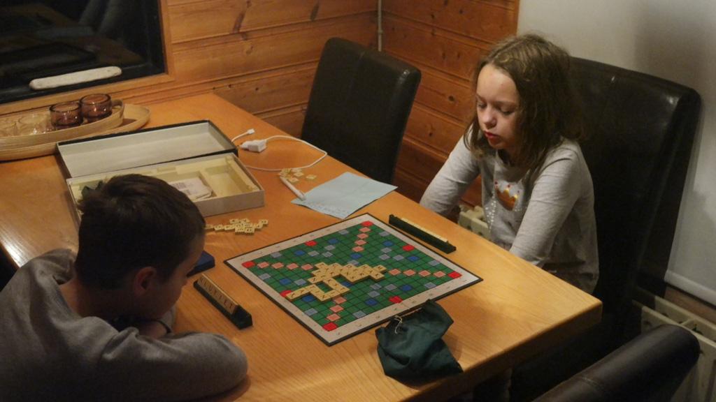 Er liggen spelletjes in het huis, al valt Scrabble met het IJslandse alfabet niet mee.