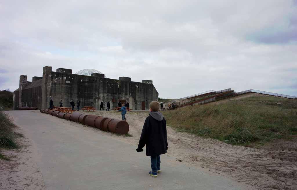 Tirpitz ligt verscholen in het duinlandschap Kindvriendelijke-uitstapjes-aan-de-zuid-westkust-van-Denemarken