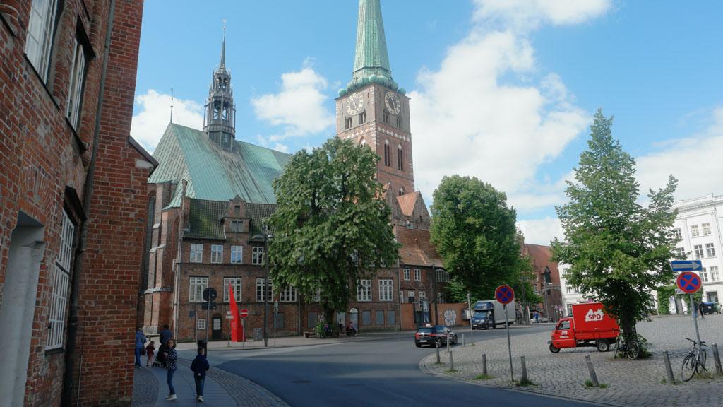 Een van de vele kerken.