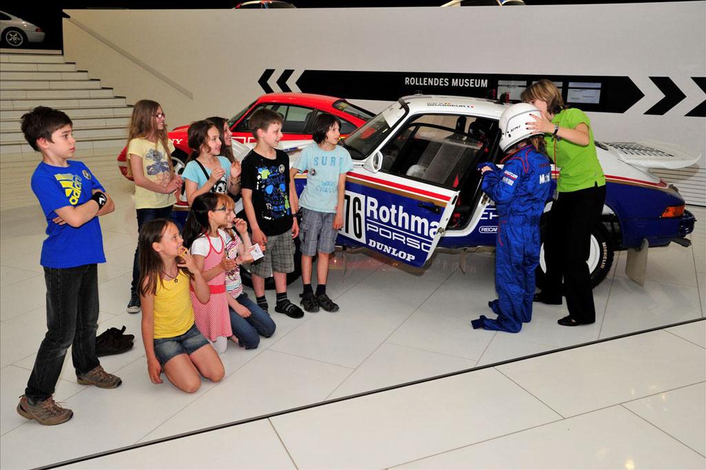 Racecar in het Porsche Museum (© Porsche Museum).