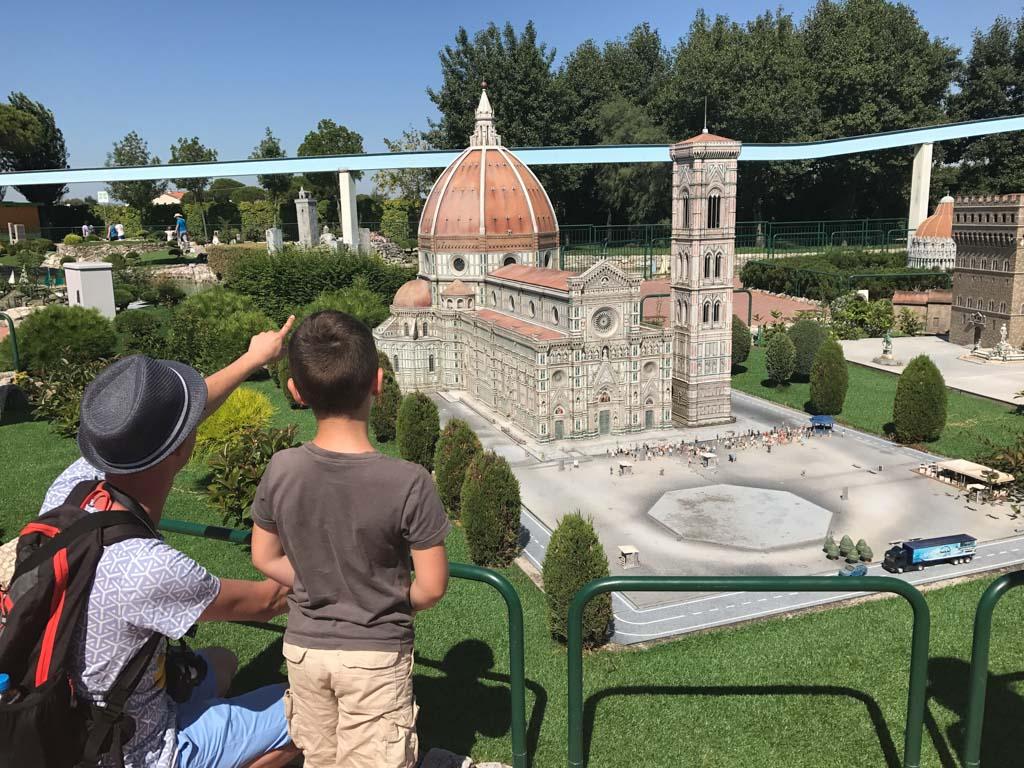 We bekijken Florence in het klein.