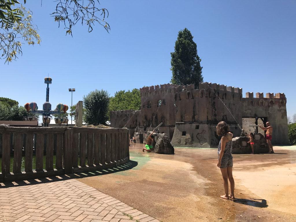 Waterplezier bij dit speelkasteel in een van de leukste pretparken in Rimini