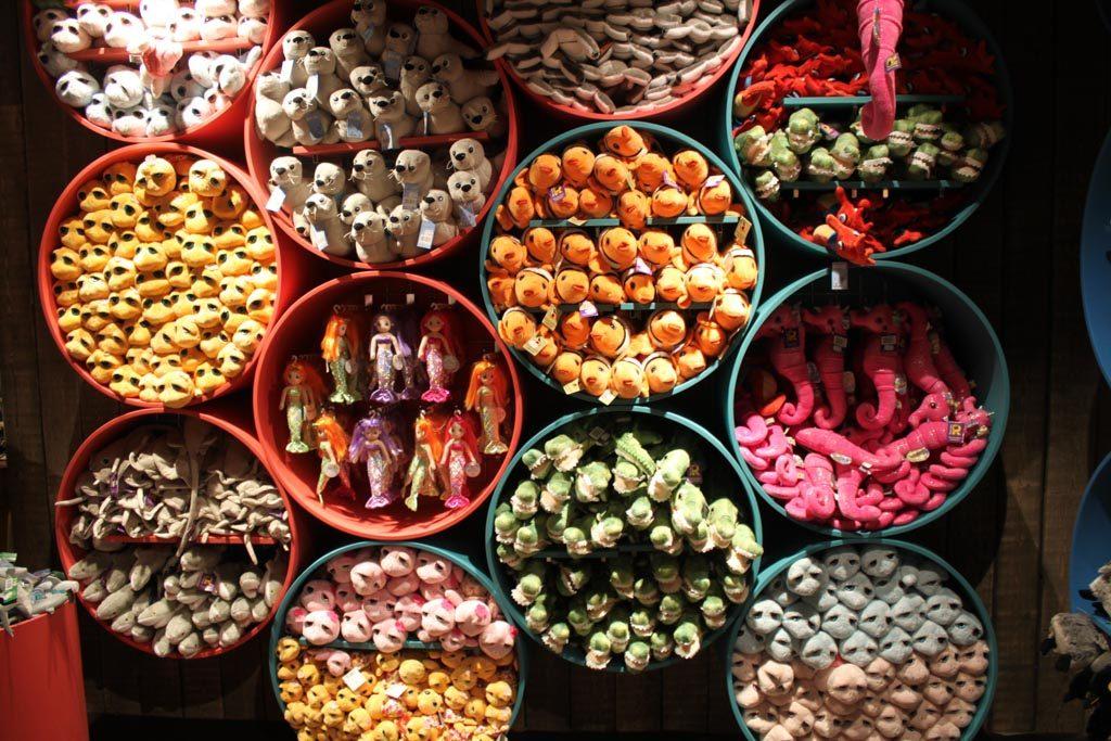 Genoeg souvenirs te koop bij Sealife.