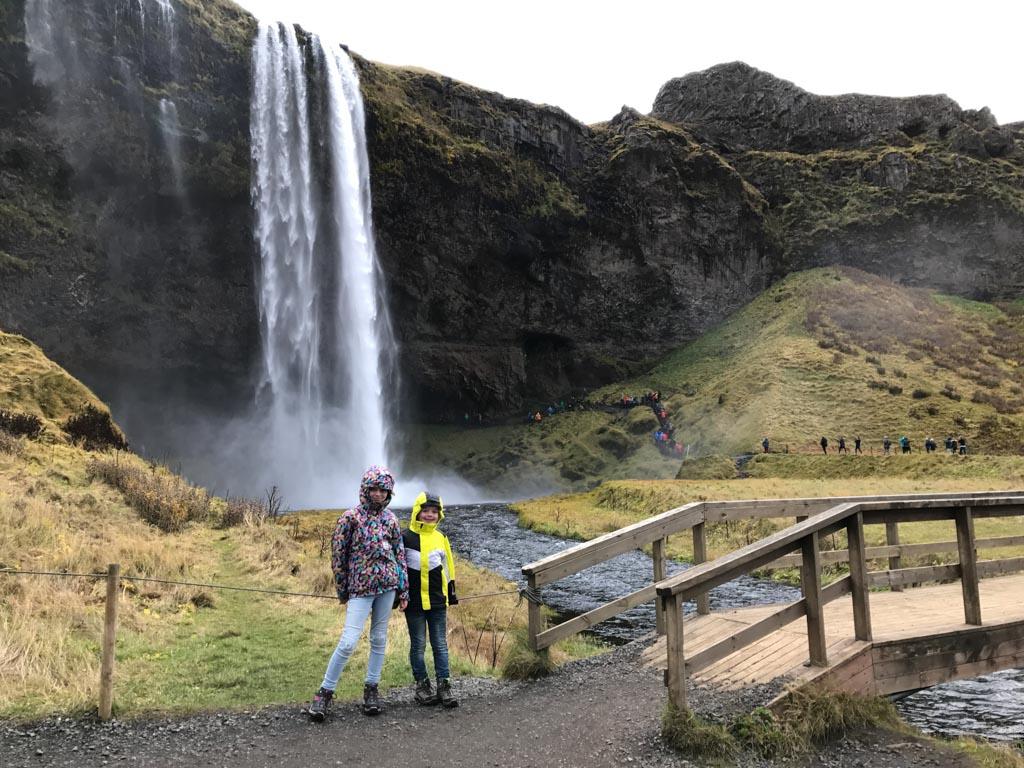 Voor de kinderen was dit een van hun favoriete watervallen in IJsland.