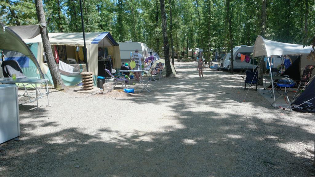 De gewone kampeerplekken.