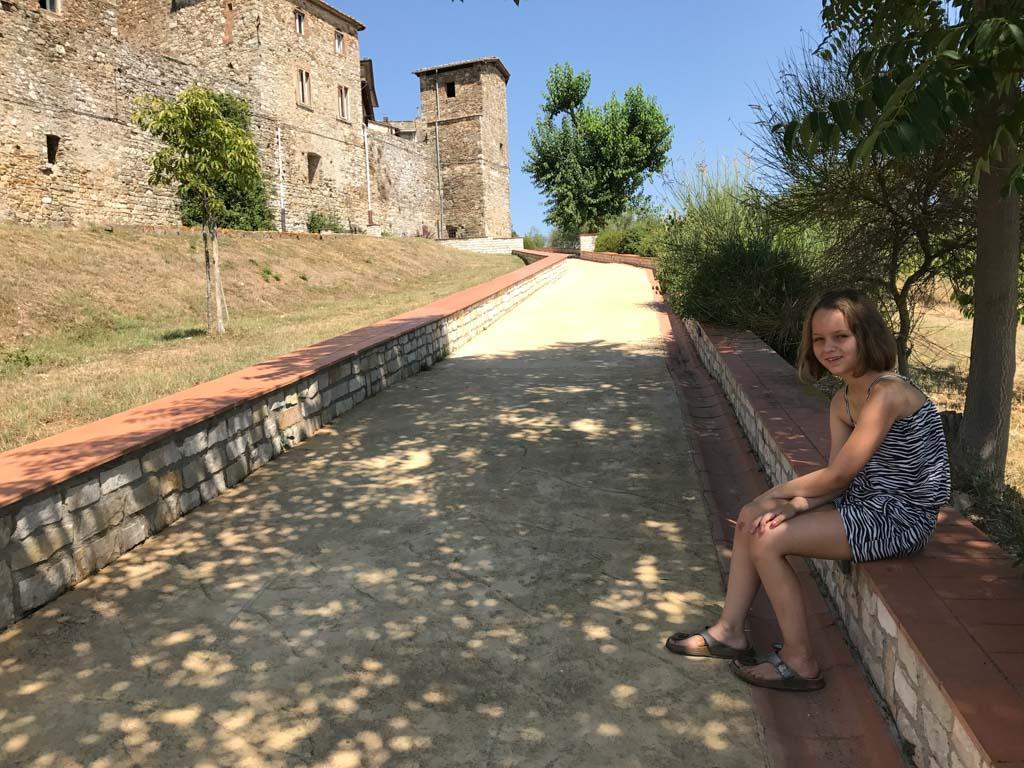 Langs de muur van Catellini lopen.