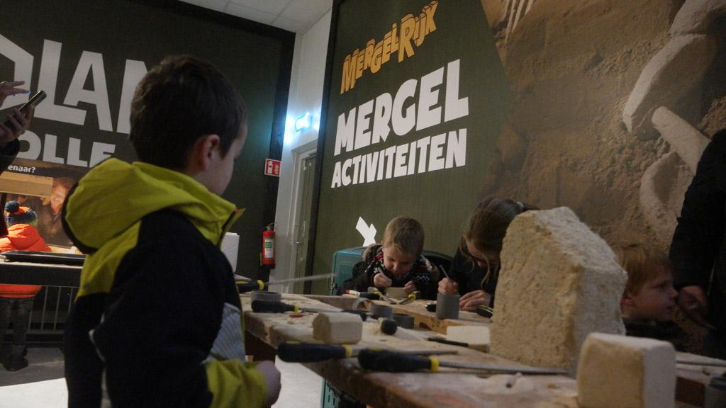 Mergel bewerken, dat kennen we van ons bezoek aan MergelRijk.