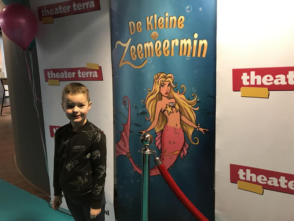 Camiel weet het zeker, De Kleine Zeemeermin is een leuke voorstelling als je van zeemeerminnen houdt.
