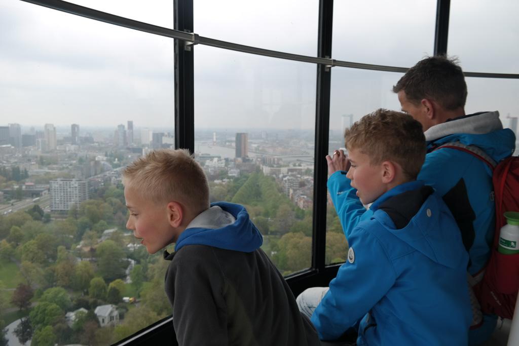 De Euromast is een must tijdens een weekendje Rotterdam met kinderen