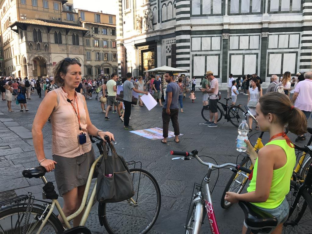 Tijdens de fietsexcursie leren we veel over Florence.