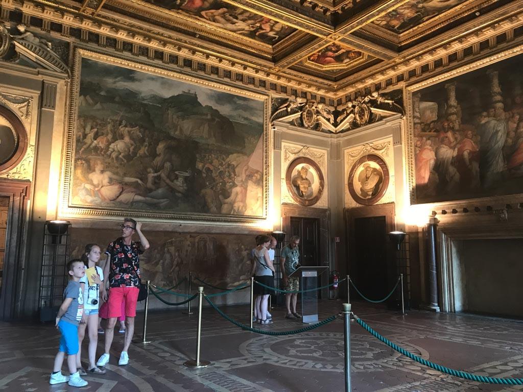 Palazzo Vecchio is totaal anders dan Palazzo Pitti.