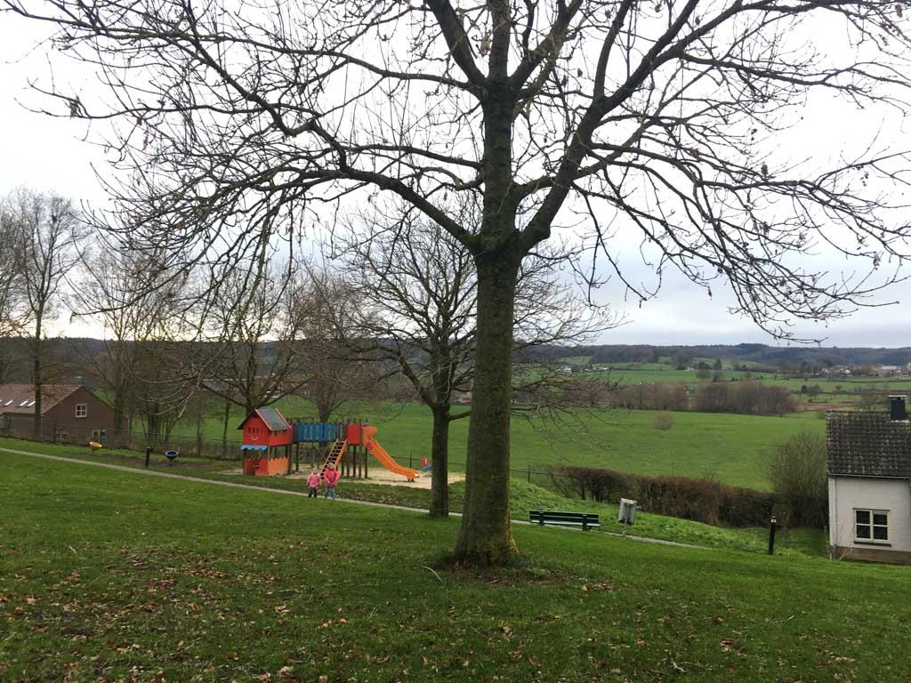 Prachtig uitzicht met speeltuin