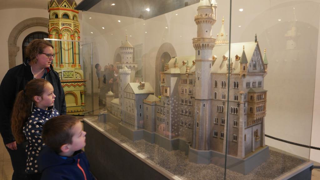Waar zijn wij in het kasteel geweest? De kinderen gaan bepaalde delen herkennen.