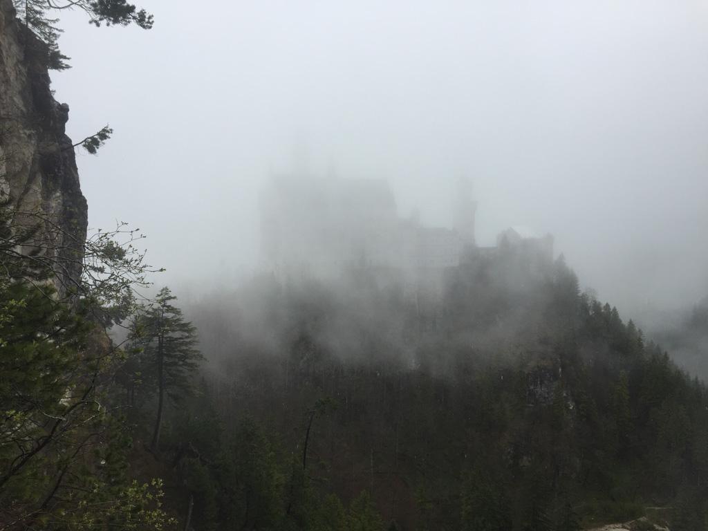 Helaas, alleen de contouren van het kasteel zijn zichtbaar.