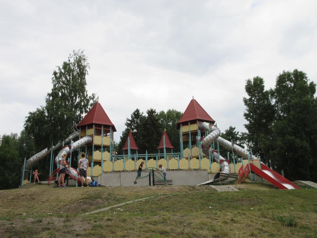 Een van de speelkastelen in Skara Sommarland