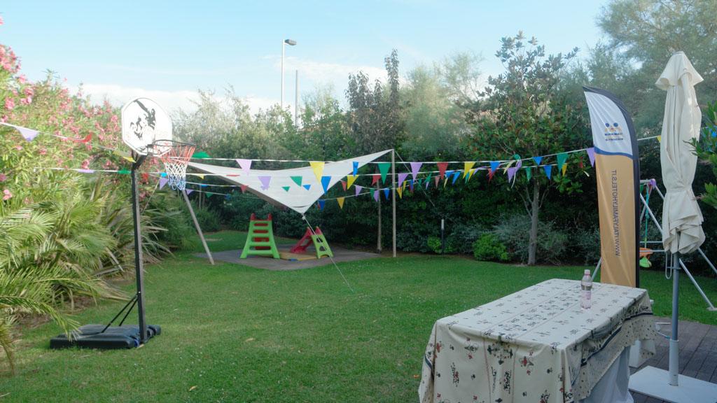 Vlakbij het zwembad is deze tuin waar voor kinderen regelmatig activiteiten worden georganiseerd.