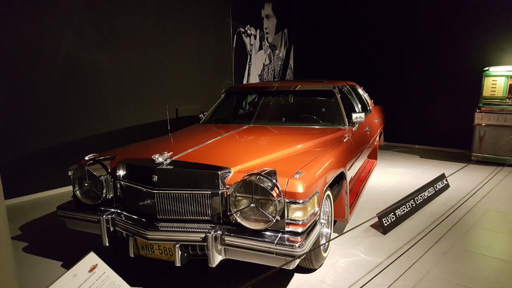 De Cadillac Fleetwood uit 1976 van Elvis Presley.