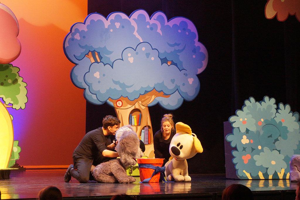 Tegenwoordig zijn er steeds meer leuke voorstellingen voor peuters zoals Woezel & Pip. (Foto: Karijn)