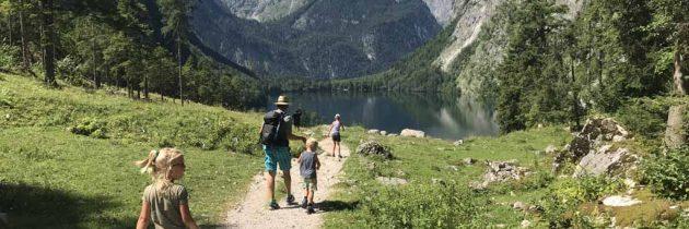 Met kinderen wandelen bij de Königssee in Nationaal Park Berchtesgaden