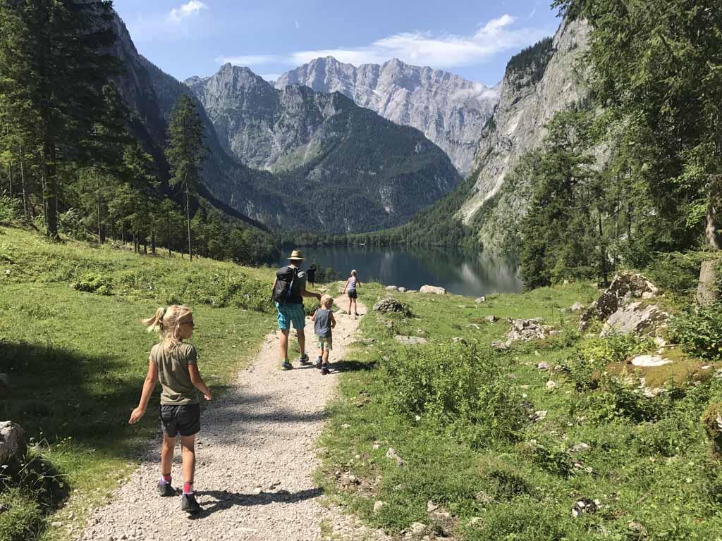 Wandelen bij de Konigssee keteldal uitzicht