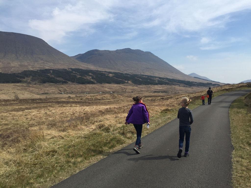 wandelen in Schotland met kinderen route terug