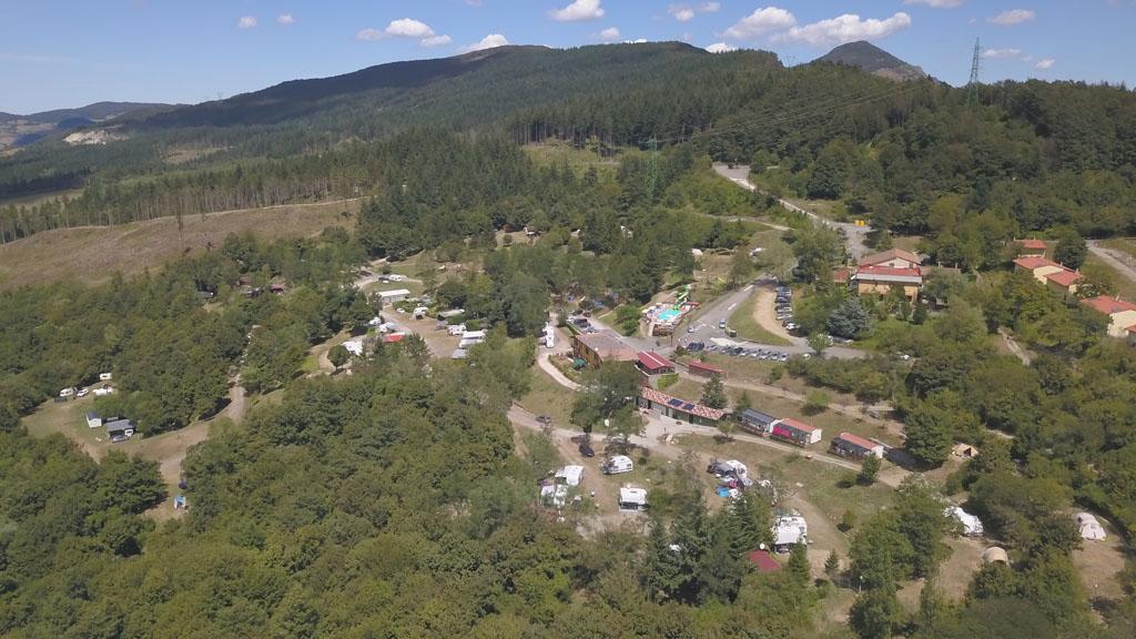 Camping La Futa van bovenaf gezien.