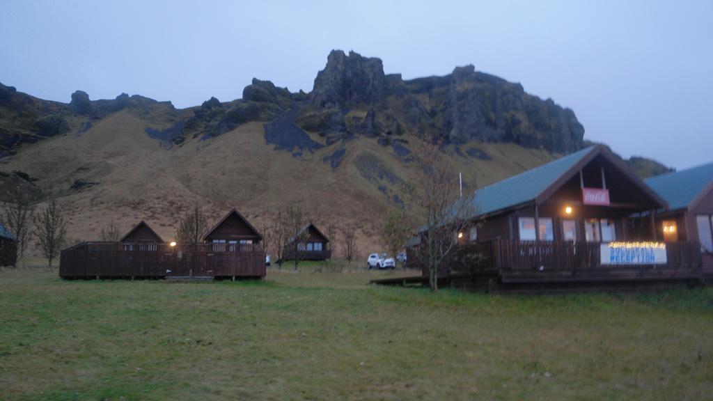 De cabins van Hörgsland Guesthouse.