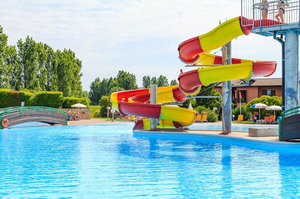Zwemles tijdens je vakantie aan het Gardameer.