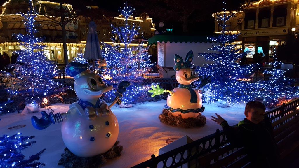 Kerst in Disney: betoverend mooi, maar wel de drukste periode van het jaar.