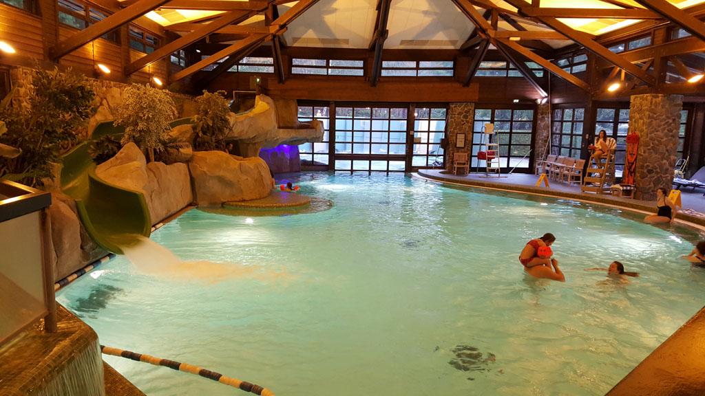 Gratis entree in het leuke zwembad bij een verblijf in de Golden Forest Club.