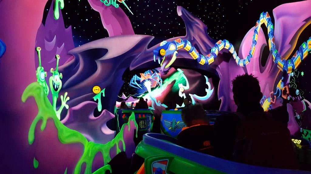 Buzz Lightyear Lasergame: een groot succes. Nadeel: ook met prioritycard een lange wachtrij.