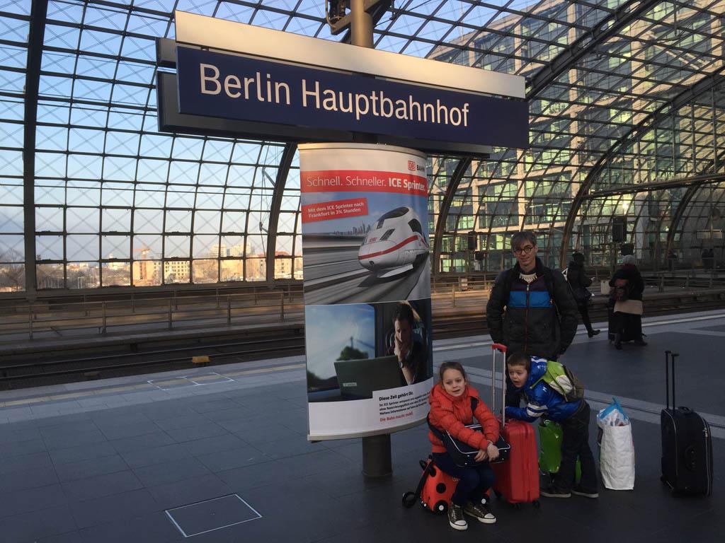 Wij gaan Interrailen met koffer, net zoals we bij eerdere treinreizen deden.