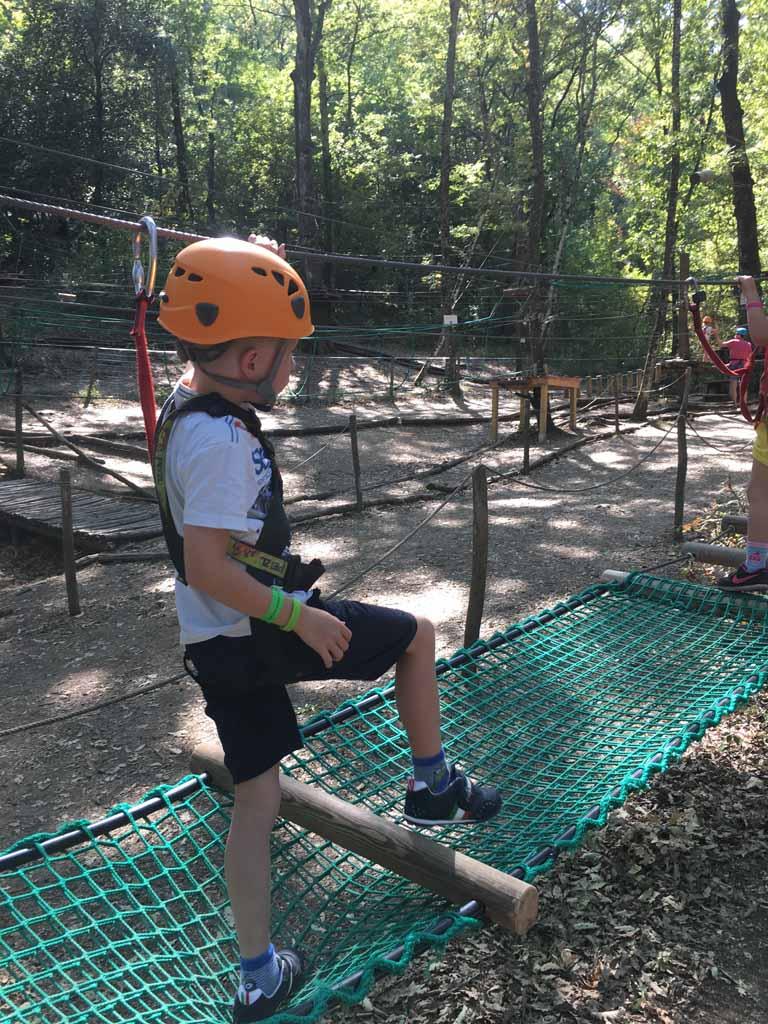 Er zijn klimparcours voor jong en oud.