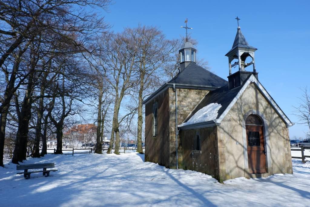 Het kapelletje bij Baraque Michel op de Hoge Venen