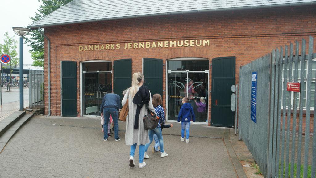 Op weg naar het Spoorwegmuseum in Odense.