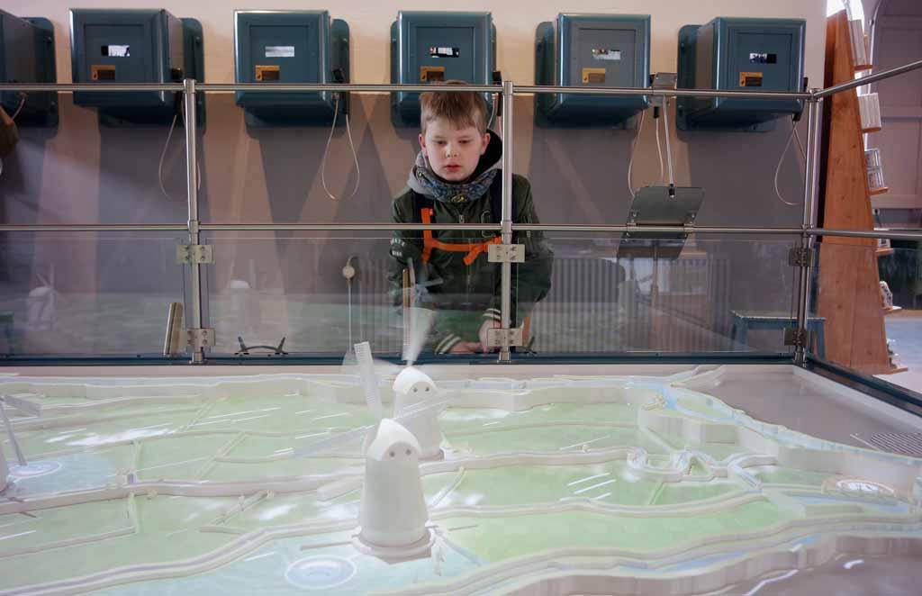 UNESCO-werelderfgoed-met-kinderen-Kinderdijk