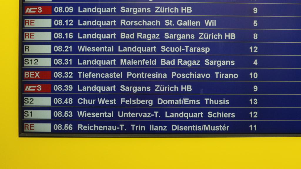 Om 8.32 uur gaat de Bernina Express naar Tirano.