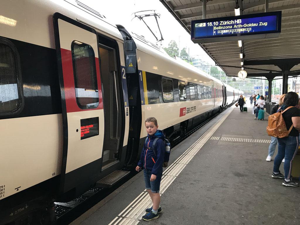 Vanuit Lugano met de trein terug naar Zürich.