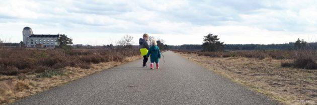 Radio Kootwijk, wandelen en het zendgebouw bezoeken