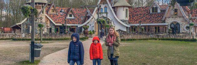 Pannenkoekenhuis Hans en Grietje in Zeewolde: eten tussen bewegende heksen