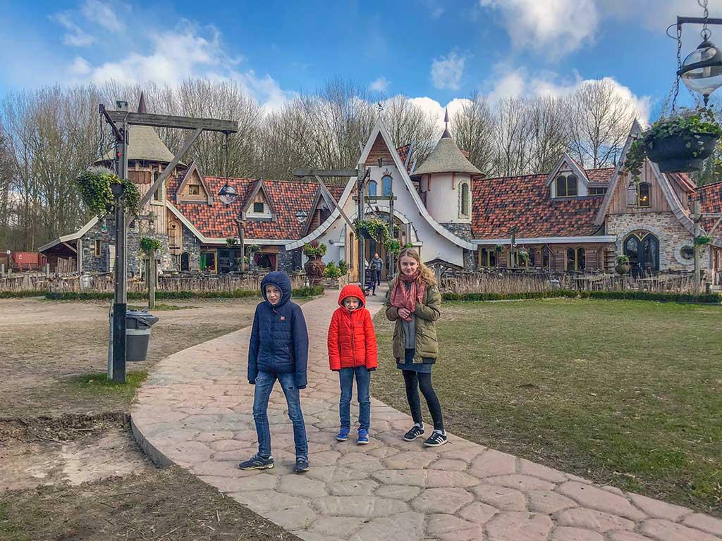 Pannenkoekenhuis Hans en Grietje ziet er uit als een echt heksenhuis!