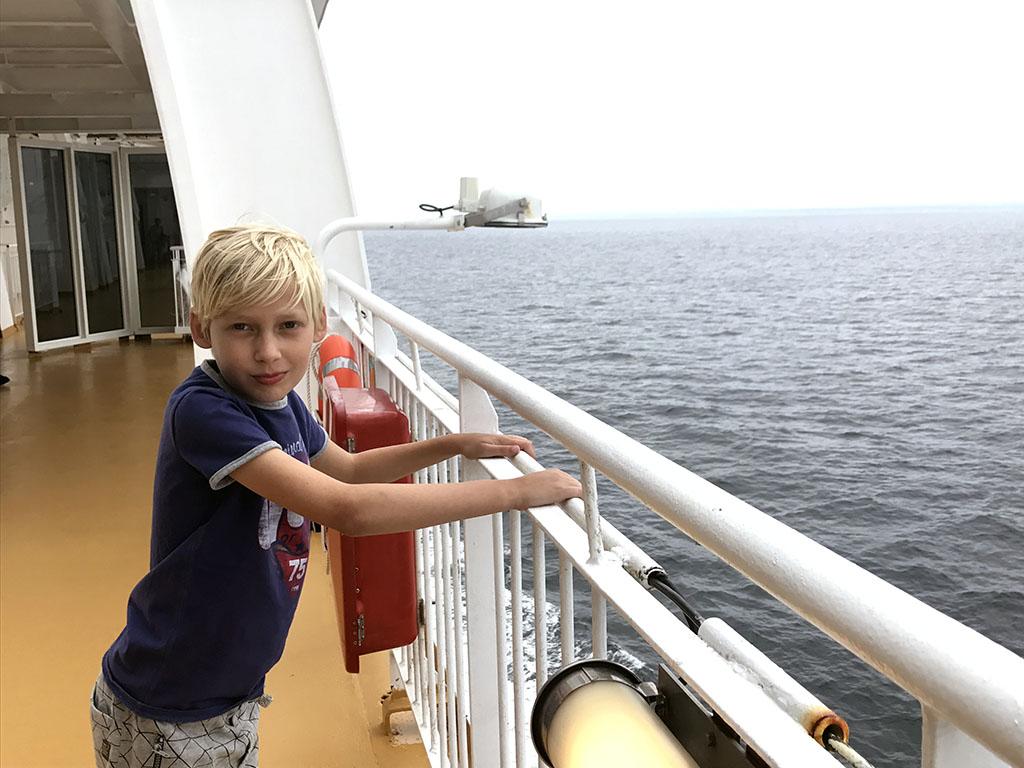 Op de veerboot naar Noorwegen. Is er al land in zicht?